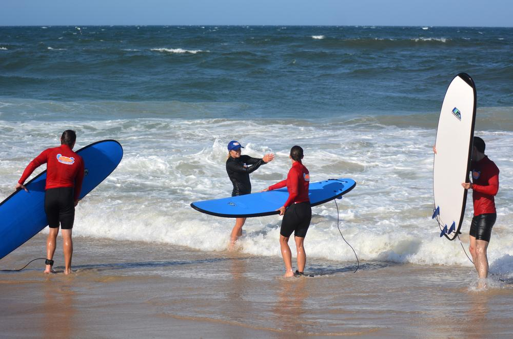 Learning to surf with instructor