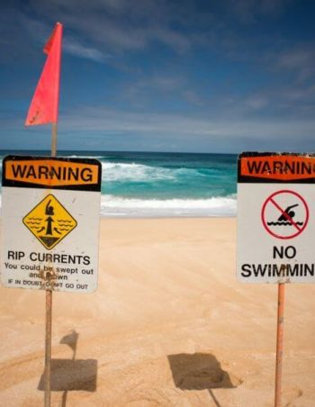 Rip currents. How do the occur? How to stay safe?